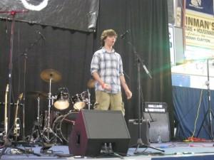 recipient_Josh_sings
